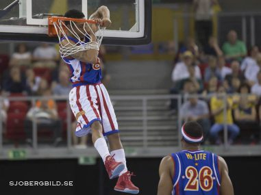 A player of Harlem Globetrotters basketball team performs during an exhibition match against the World All Star  2nd. june. 2016